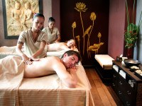 oil massage ©Tara Angkor Hotel/Flickr